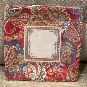 2 Sets of Red Paisley Paper Dinner Plates (16)